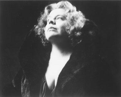 Donna Roll, Soprano