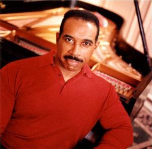 Leon Bates, Piano
