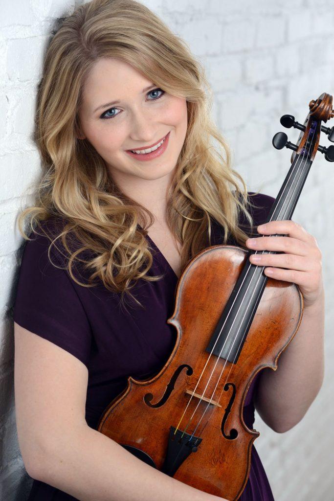 Caeli Smith, Viola